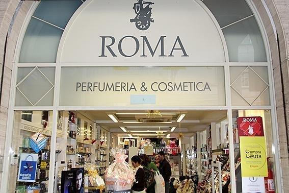 Una de las tiendas de Perfumerías Roma en Ceuta