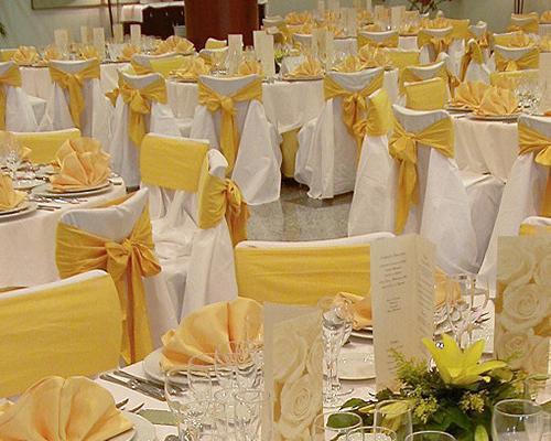 Montaje en amarillo y blanco