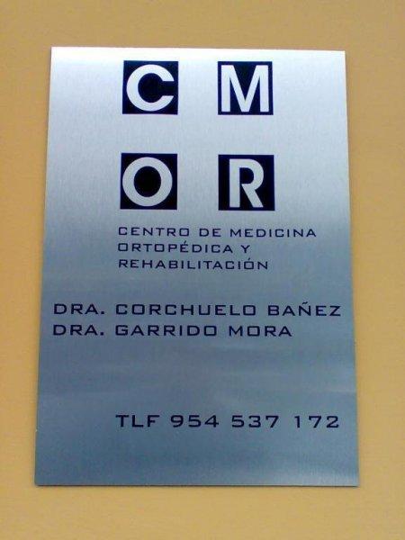 Logotipo y placa