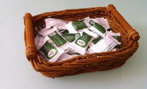 Nuestros Caramelos. Desde enero 2012 se pueden encontrar en nuestros Tanatorios.