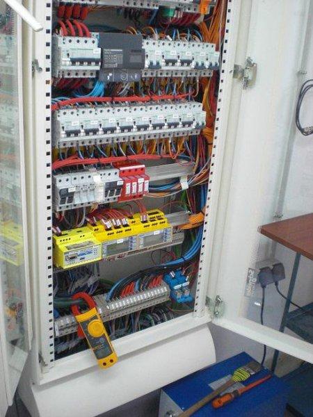 Facer, instalaciones y cuadros eléctricos