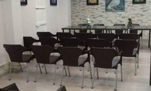 sala para eventos y reuniones