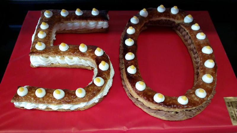 tarta personalizada con la edad del cumpleaños