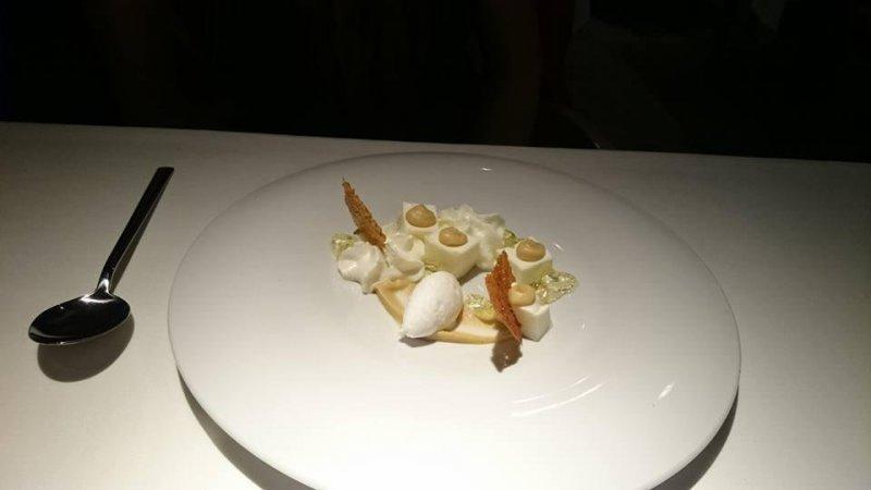 Pancota de yogur, lima, manzana y coco