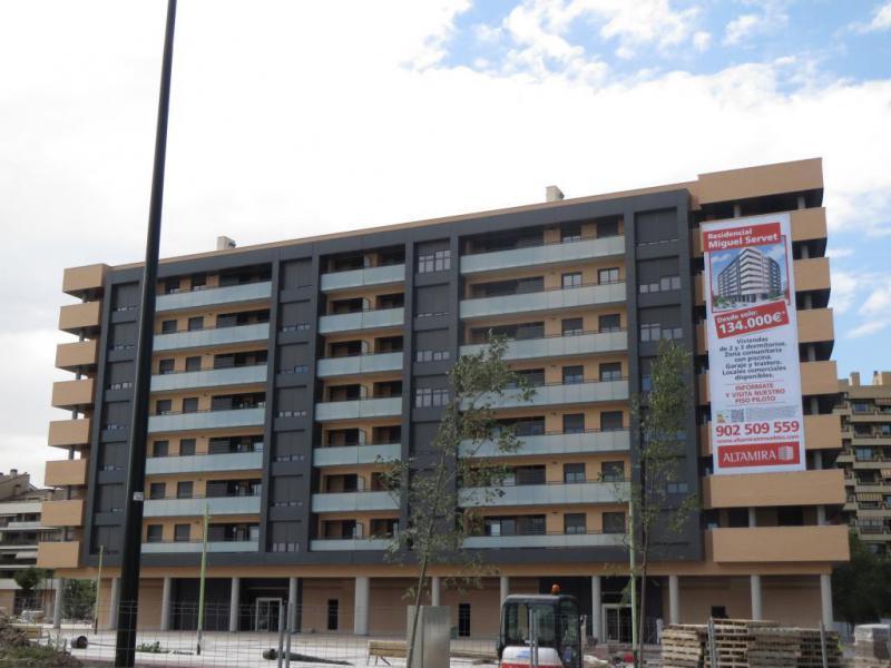 108 Viviendas para Banco Santander en Residencial Migel Servet