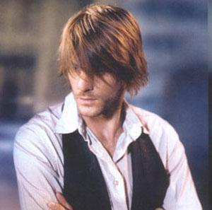 Peinados modernos - Alisados, desrizados, brillo y color de pelo