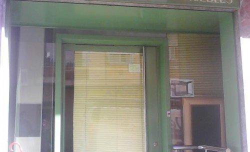 Puerta de entrada tienda