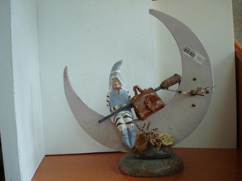 Reloj Bruja en luna