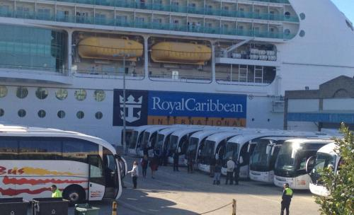 Crucero atendido por Rico Bus