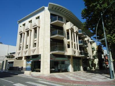Dirección de obra construccion edificio plurifamiliar y locales comerciales