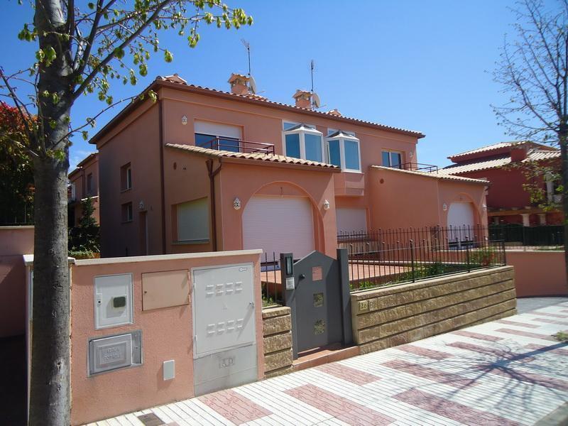Dirección obra construccion de viviendas adosadas platja d'aro