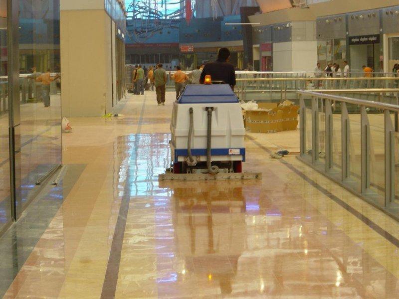 Limpieza Centro Comercial
