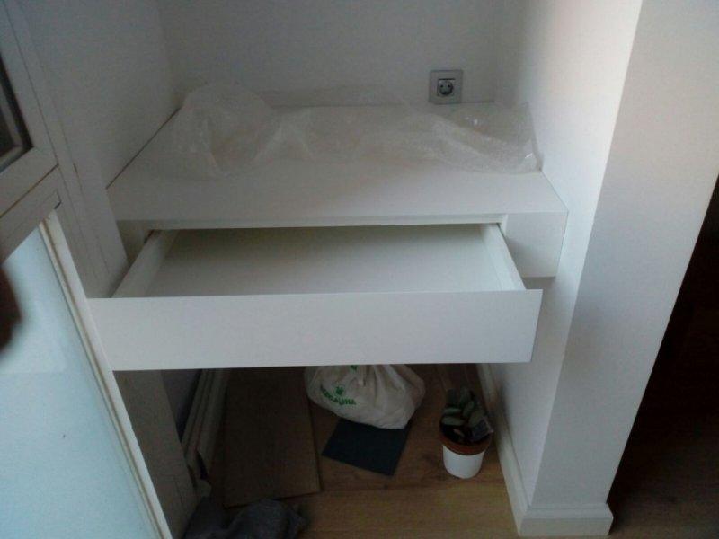 mueble escritorio a medida con cajón