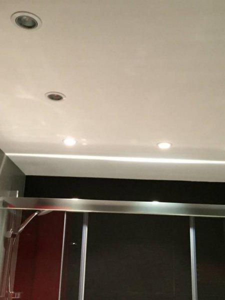 Instalación eléctrica completa en baños