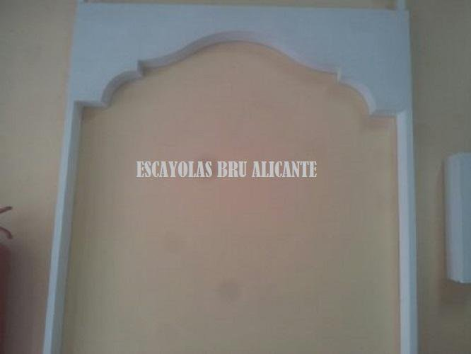 arco de escayola en exposición-oficina Santa Pola - Alicante