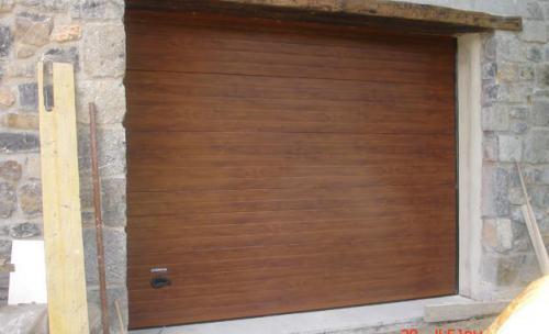 Puertas seccionales imitacion roble Navatek