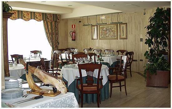 Las Columnas (Hotel Sierra Real)