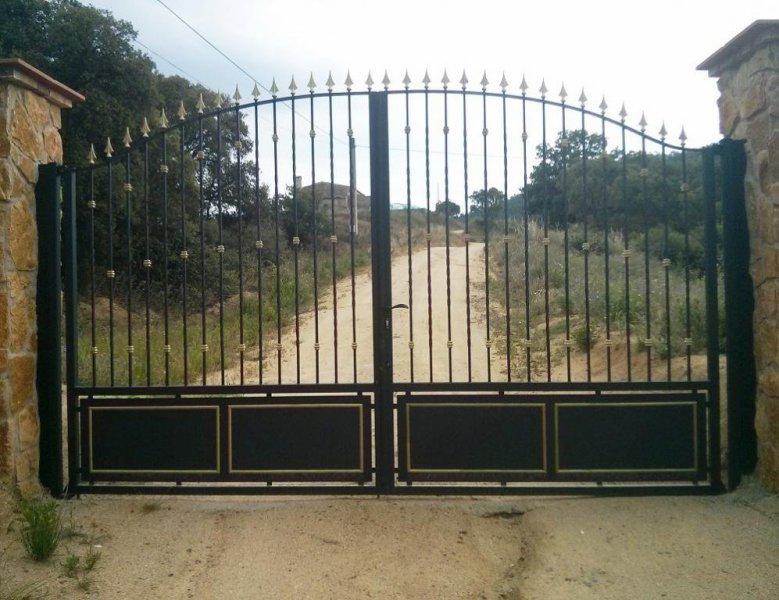 Puerta entrada hierro