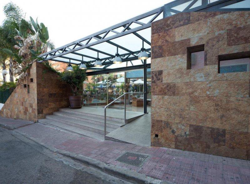 Estructura metálica techo y vidrio