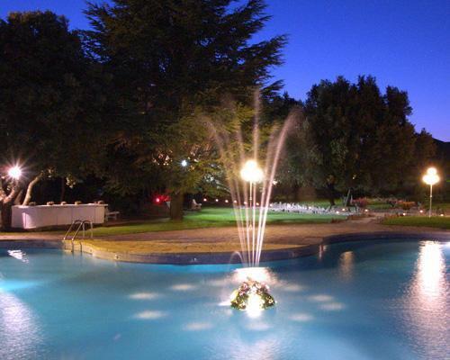 La piscina iluminada