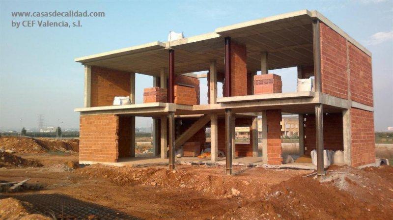 Construcción de viviendas unifamiliares y chalets en Valencia