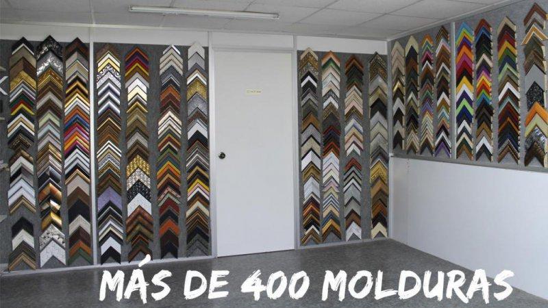 Más de 400 molduras