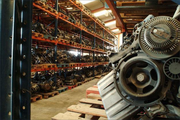Zona de motores - Desguaces La Cabaña
