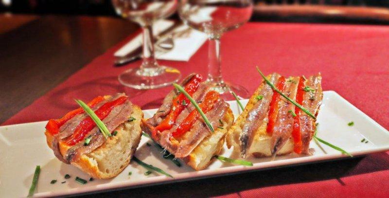 Pan con Tomate y Anchoas