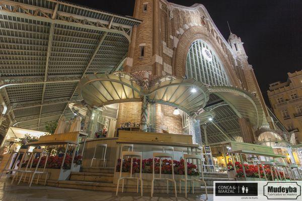 Barras altas para terraza en Mercado de Colón de Valencia