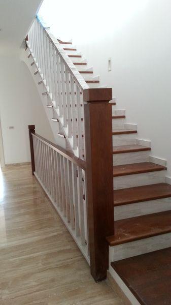 Escalera de madera maciza de roble americano secado al Horno