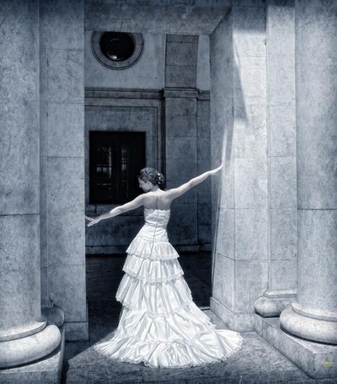 Novia posando en el espolón de Logroño