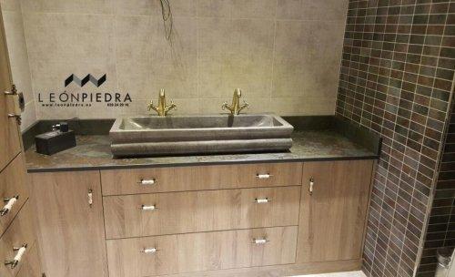 Diseño de lavabo a medida de piedra caliza. Piedra en Leon. www.leonpiedra.es