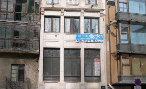 Fachada de edificio donde se ubica mi oficina