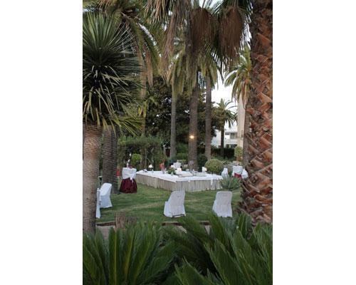 Banquete en jardin