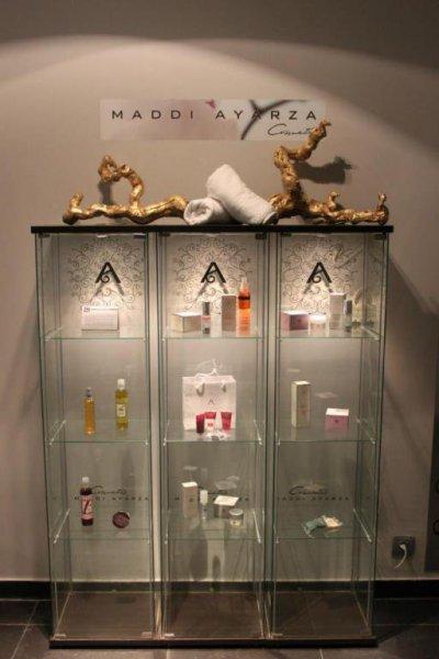 Expositor Maddi Ayarza Cosmetics