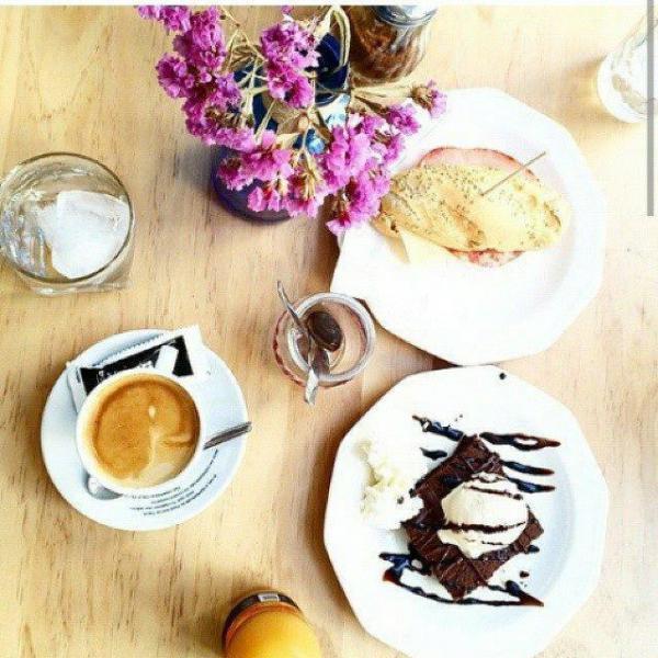 70 Grados Café