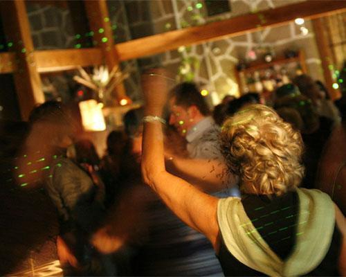 Sala acristalada para el baile
