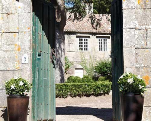 Detalles de los exteriores del pazo
