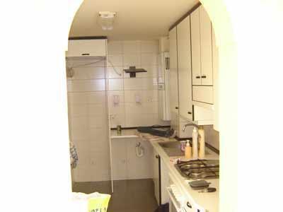 Una foto de cocina terminada