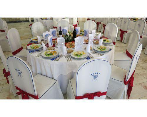 Mesa invitados rojo