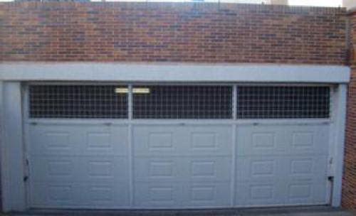puerta basculante preleva de panel