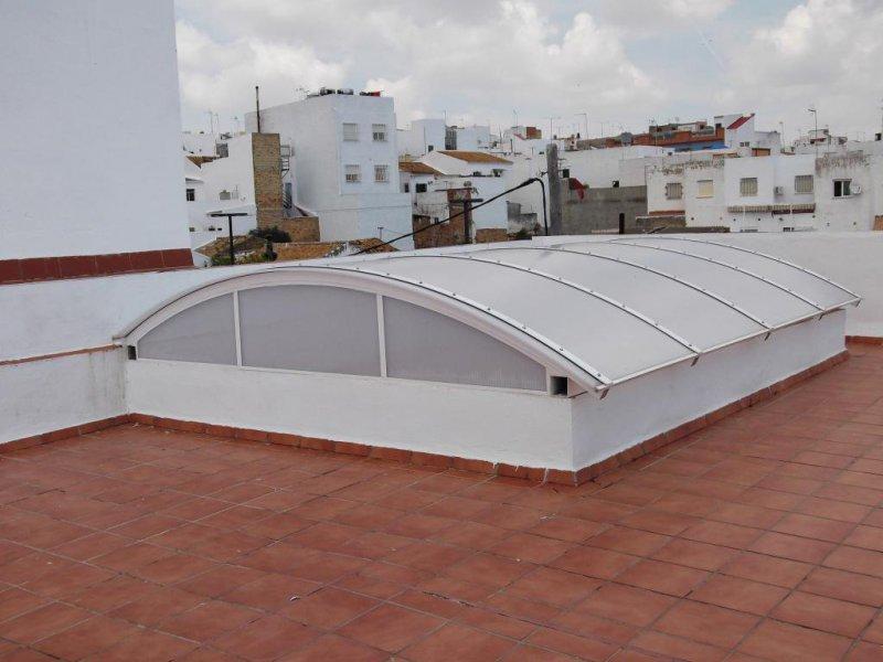 Cubierta de patio curva de policarbonato celular