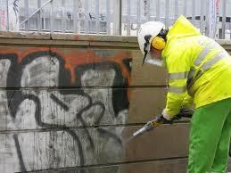 eliminación de graffitis sobre cualquier superficie