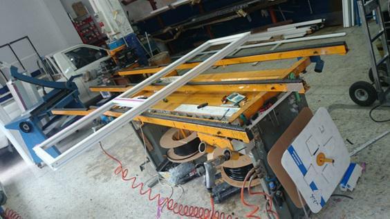 Cristalería y Aluminios Villamil, carpintería de aluminio, PVC y cristal en Móstoles