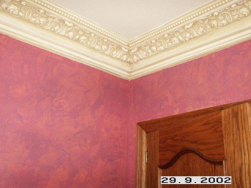 detalle demoldura patinada y pared