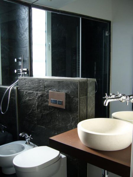 Baño piedra natural