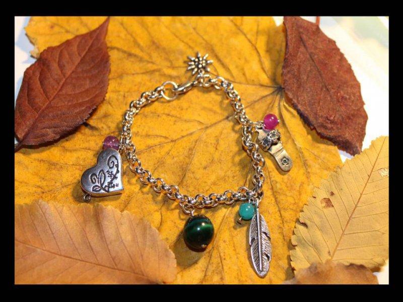 Pulsera cadena bañada en plata y charms de zamak