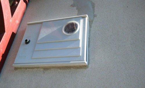 Caja contador en fachada