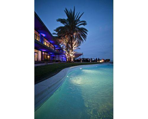 Espectacular piscina iluminada