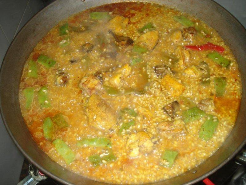 Cocinando Paella